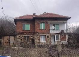 Дом на продажу между городами Петрич и Сандански