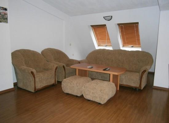 Недвижимость в Сандански. Двухкомнатная квартира с мебелью.