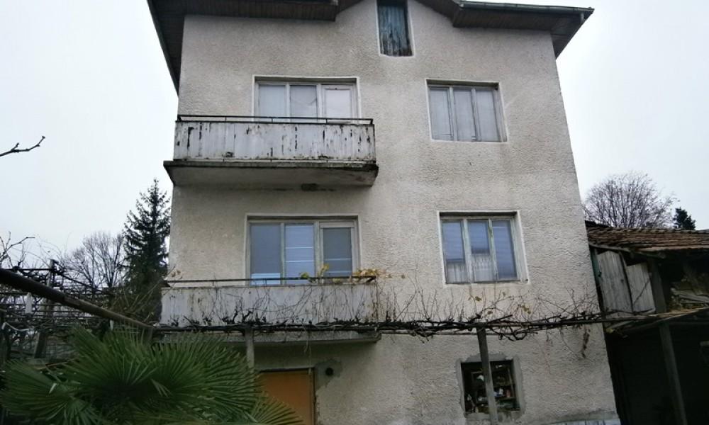 Недвижимость в Сандански. Продажа дома в Струмяни