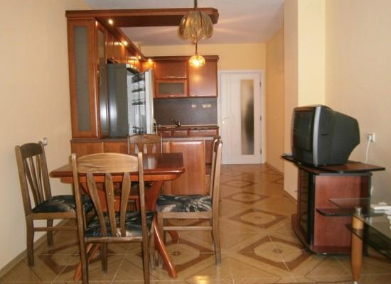 Продажа трехкомнатной квартиры в центре Сандански