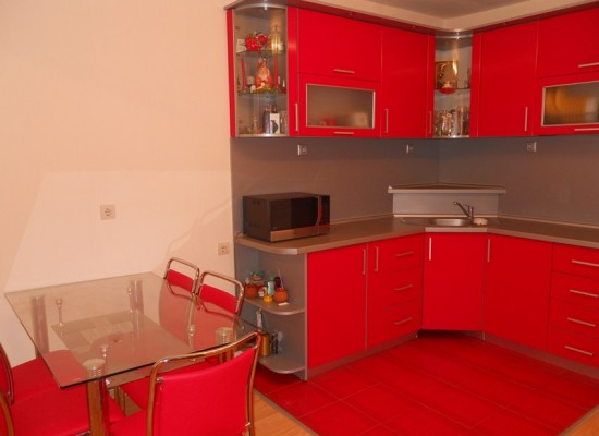 Продается этаж дома в г.Сандански