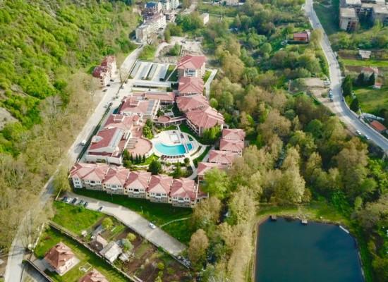 Трехкомнатная квартира в Парк Отеле Пирин — Сандански