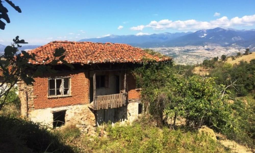 Продажа старого дома в деревне Палат, 12 км от Сандански
