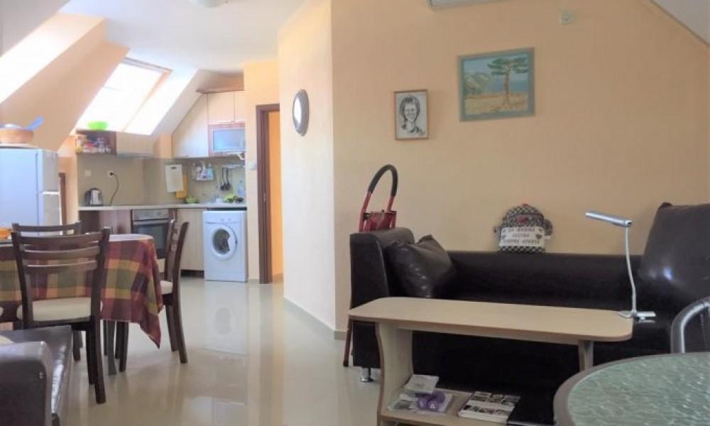 Трехкомнатная квартира в Сандански