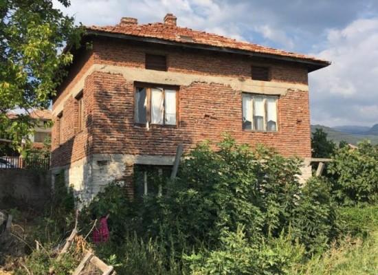 Продажа дома в 15 км от Сандански