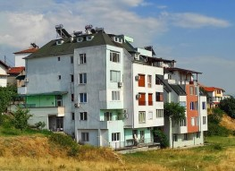 Трехкомнатная квартира на продажу в Сандански